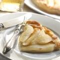 Foto torta rovesciata di pere caramellate tratta dal libro Mangia sano e spendi poco