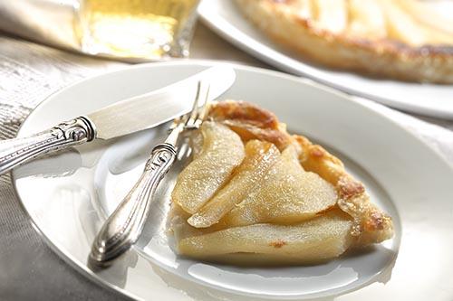 Foto torta rovesciata di pere tratta dal libro Mangia sano e spendi poco