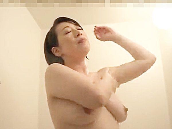 ☆エロドラマ・母子相姦|寝取り・柏木舞子☆『フンフンフ~ン♫』息子とセックスして、一緒に風呂で汗を流す豊満熟女ママです