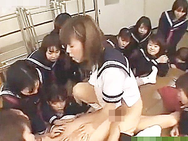 ☆痴女・逆レイプ 着エロ・制服JK娘☆『わぁ~!すごい見えてるョ~!』クラスメイト全員の女子がセックス鑑賞してますケド?