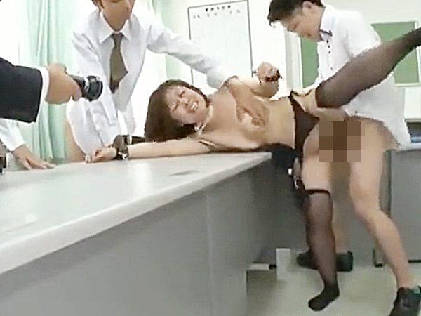 ★凌辱・女社長|柳田和美★『あっあっ、嫌ぁーッ..』安月給でこき使うババア経営者。。男性社員たちが退社前に怒りのセックス