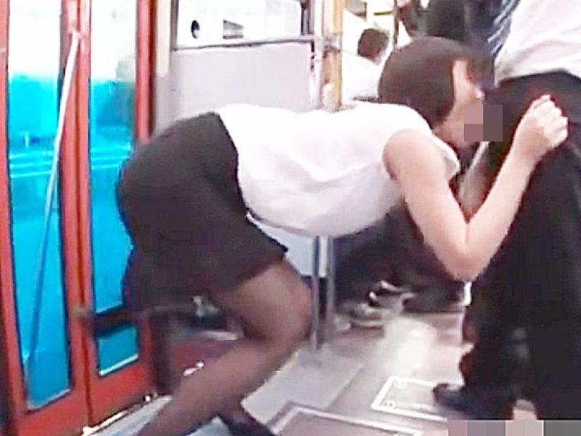 ◇バス痴漢・おしゃぶり 着エロ・黒パンスト◇車内で発情のスレンダー美女!?勃起チンポをジュボジュボ・カポカポ激しいです