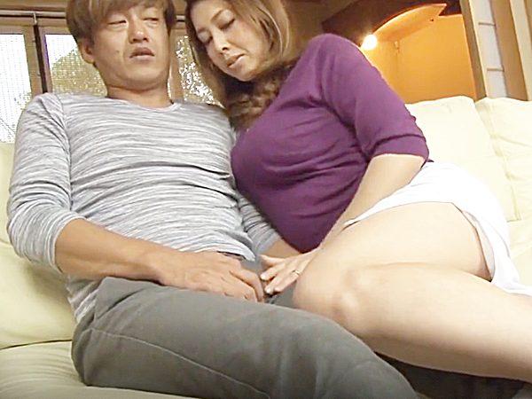☆彼女の母・寝取り|風間ゆみ☆『おっ、お母さん..!?』娘の彼氏を誘惑する豊満美熟女ママ。。大人の魅力には、逆らえません