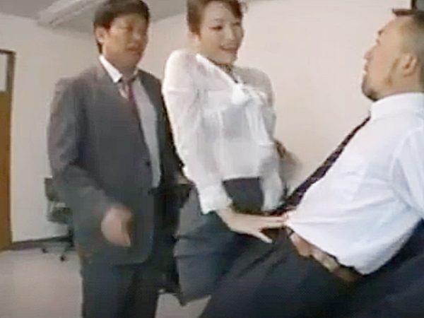 ★オフィス・浮気妻 星野あかり★『ちょっ、マズいですョ!?』泥酔した同僚OLに挑発される2人の男。。上司の妻ですが..