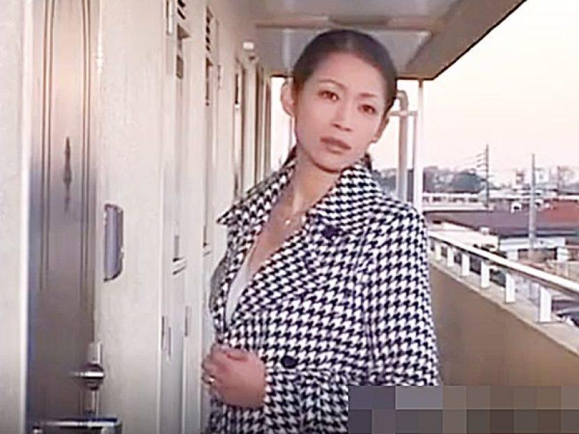 ◆エロドラマ・団地妻 友田真希◆仕事が忙しい旦那とはセックスレスな美人官能小説家の奥様!?欲求不満なようですが..