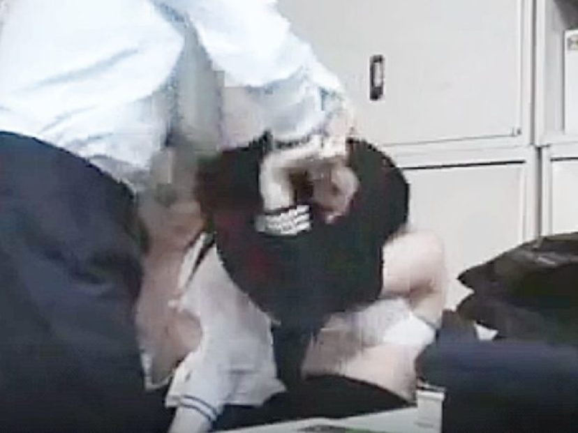 ☆凌辱|着エロ・制服JK娘☆『脱げョ!』「嫌っ!ヤメて..!?」キセル乗車した2人の女子学生がパコパコされちゃいますョ