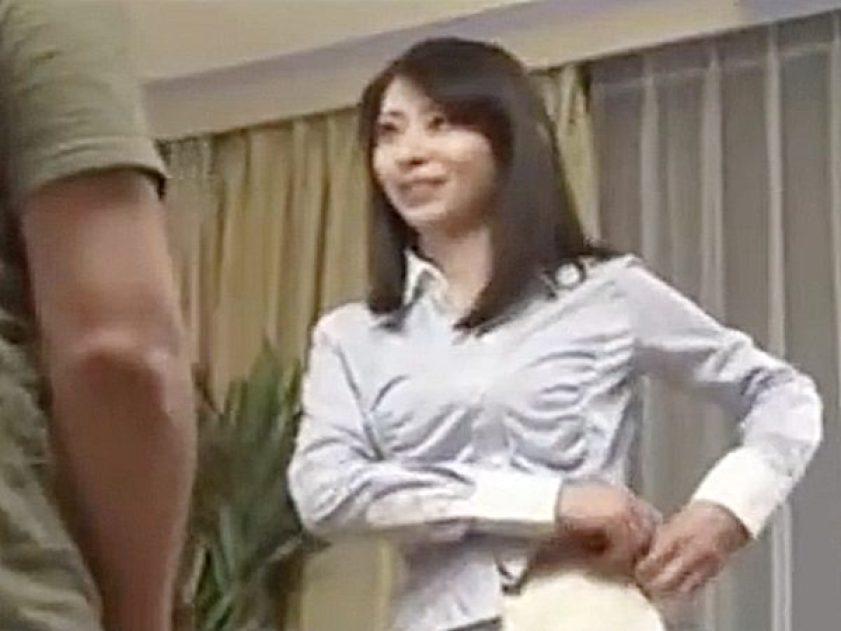 ◆エロドラマ・浮気妻 人妻NTR・長谷川美紅◆『おっ、おばさん..!?』オナニーを覗き見た若者を誘惑する美熟女ですョ..