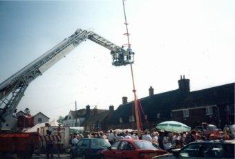 Cuckoo Fair Team at the Maypole in 1990