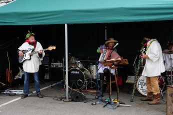 The Plonkers at the Memorial Gardens in 2012