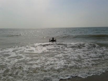 Jauh ke tengah laut ni