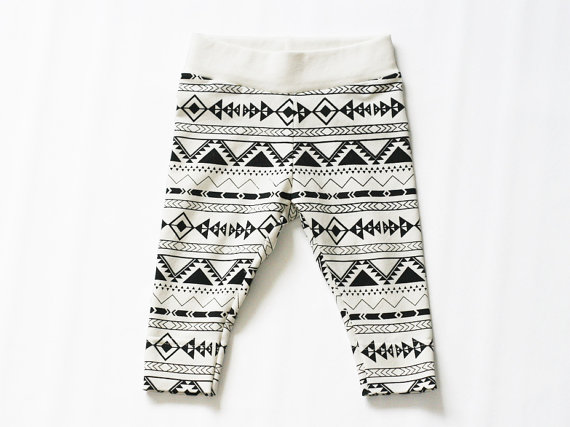 etsy finds geometric shapes: studio bundis leggings