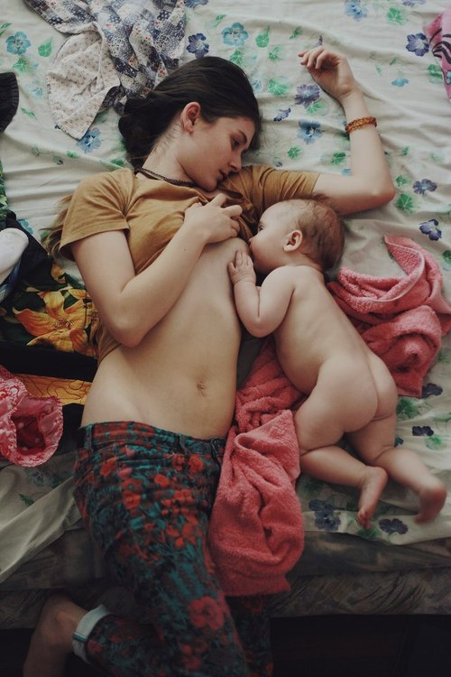 Moms and kids: breastfeeding