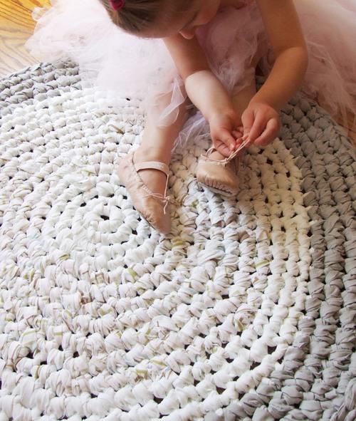 Momtreprenuer: King Soleil upcycled crochet rug