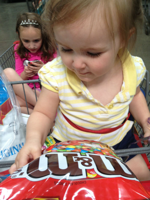 grocery shopping with kids: bribes