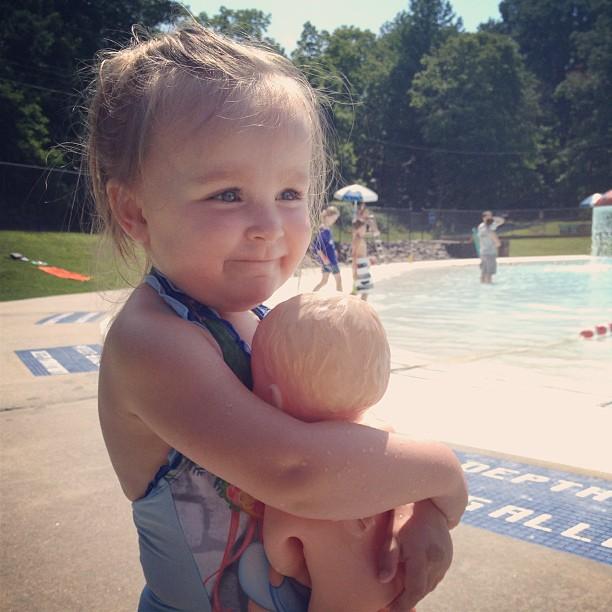 summer living: pool babe
