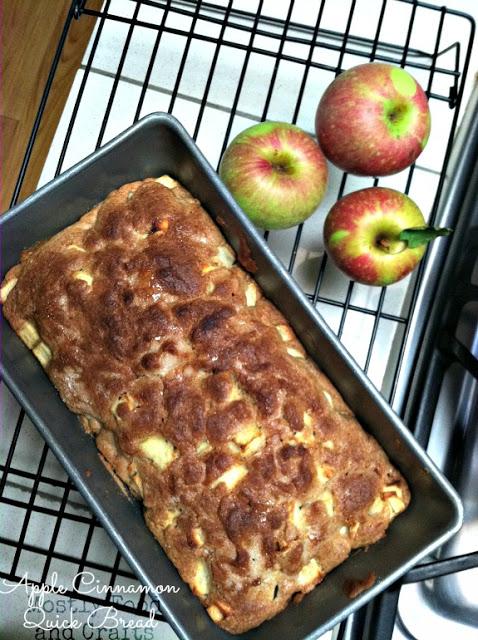 apple recipes: apple cinnamon bread
