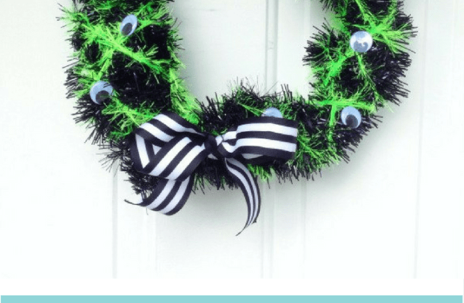 How to Make a Spooky (and Simple!) DIY Halloween Wreath