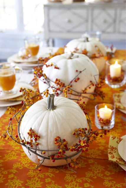 fall pumpkin decor: white pumpkins with vines