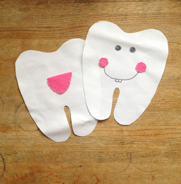 diy tooth fairy pillow sewn face and pocket