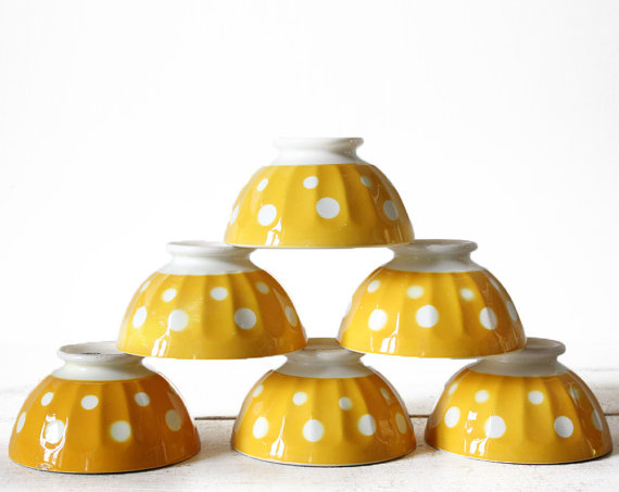 vintage finds: Sarreguemines yellow bowl with dots via Rou des Louves