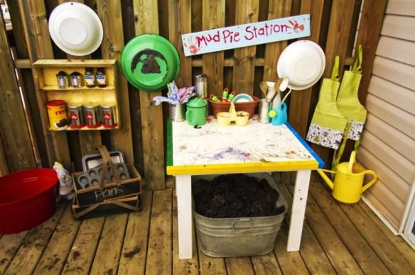 outdoor activities for kids: outdoor kitchen