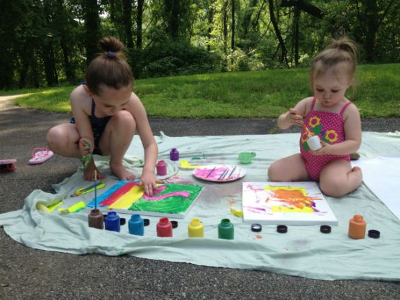 outdor activities for kids: paint party