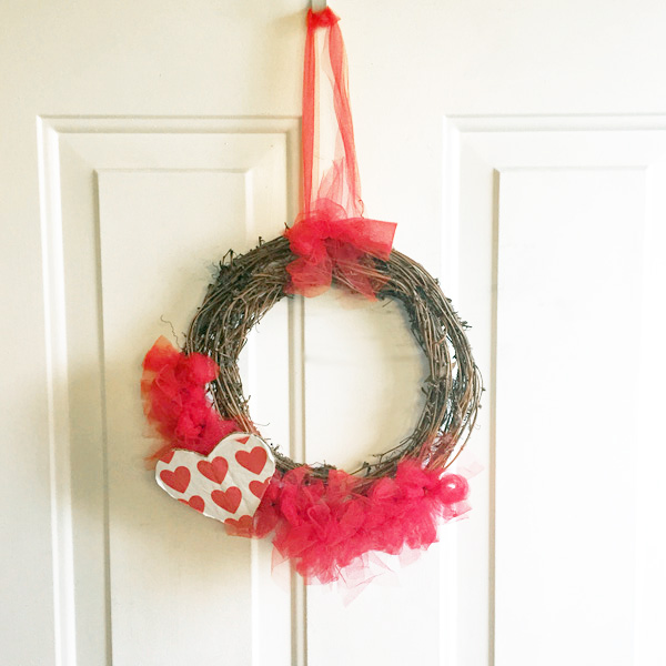 Valentine's Day wreath DIY