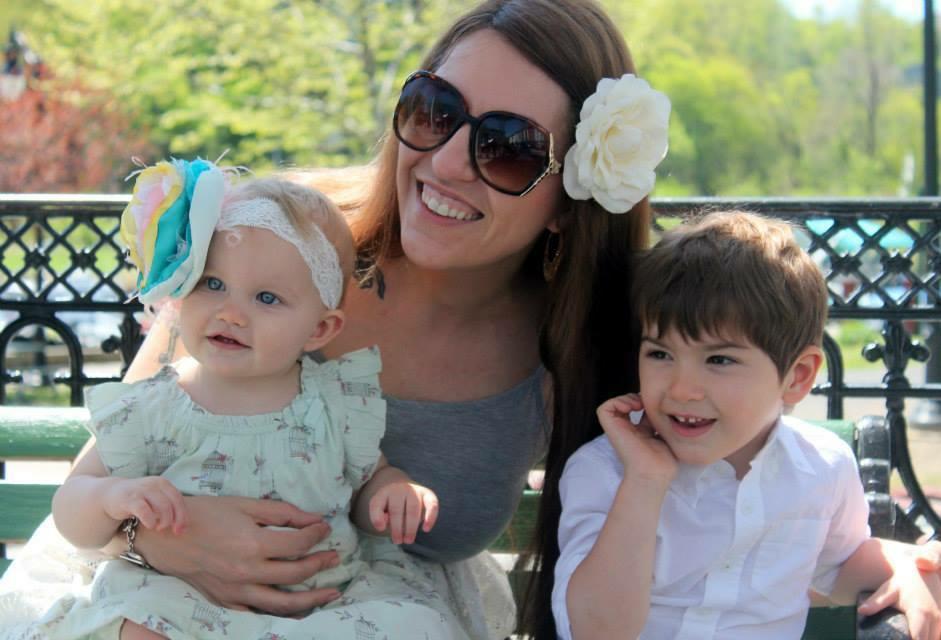 Little Rabbit Wears | Janine and kids