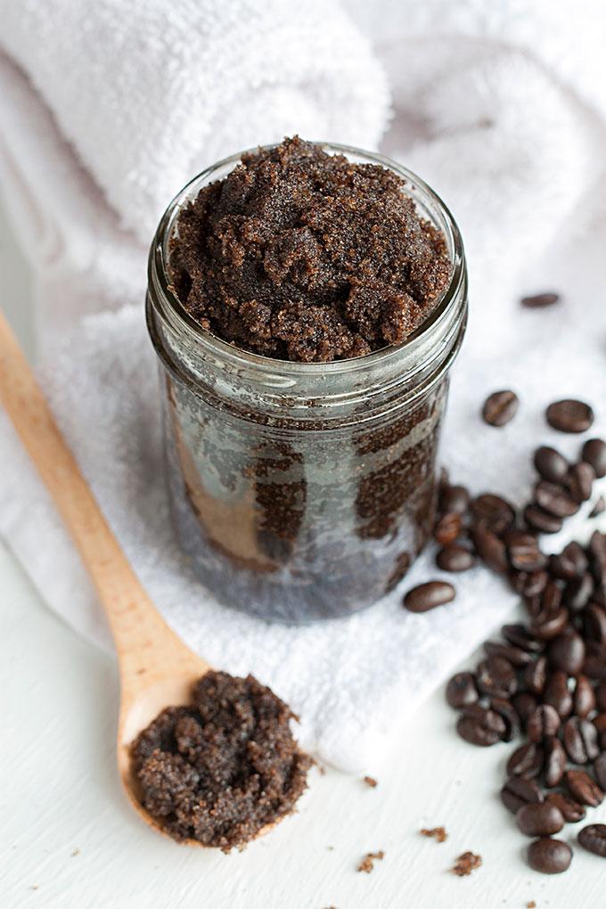 DIY bath and body gifts | coffee scrub