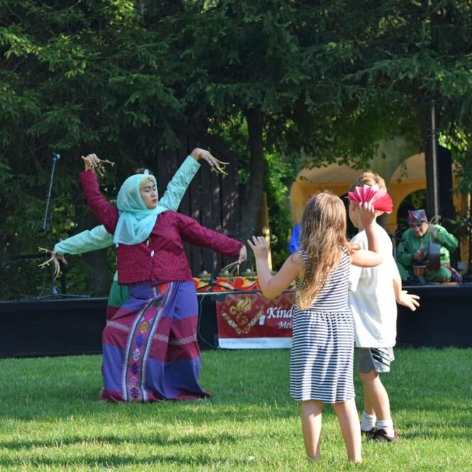 Filipino dance at Dancing at Dusk