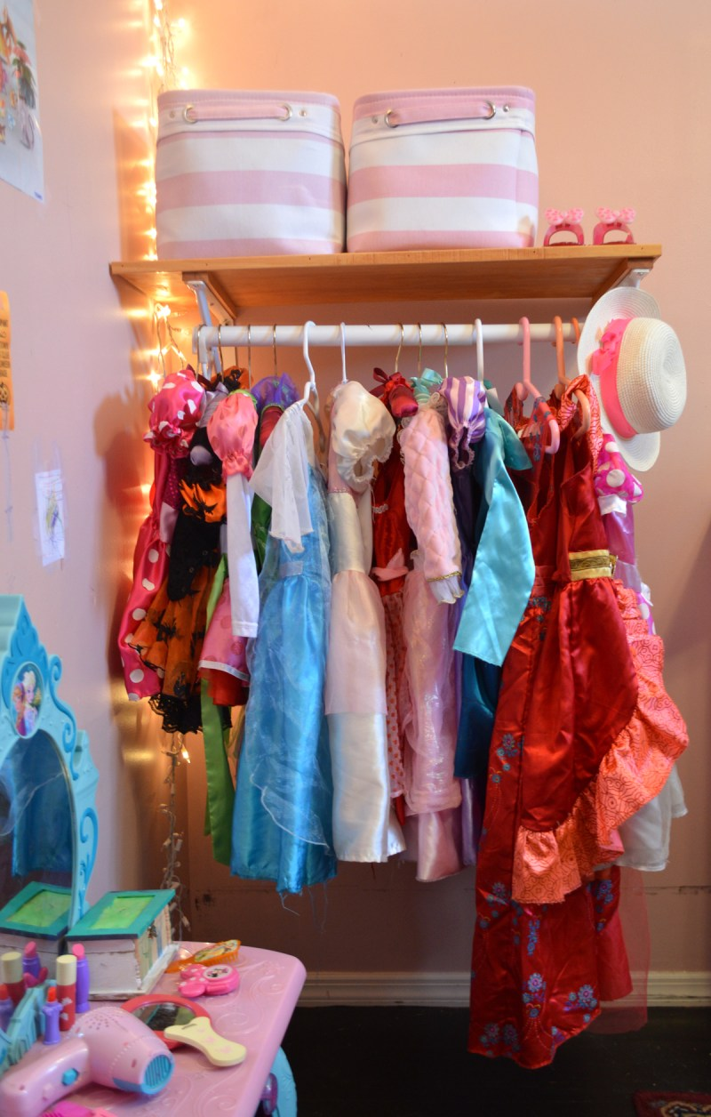 organizing kids dress up #springcleaning