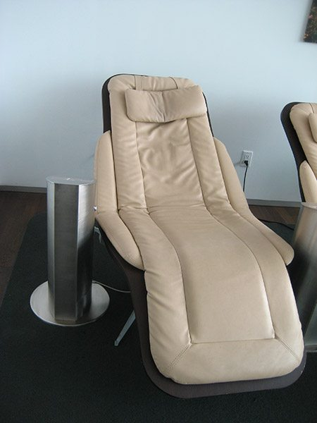 electric recliner sofa not working memory foam sleeper costco finding which problem happens with your power recliners cuddly s