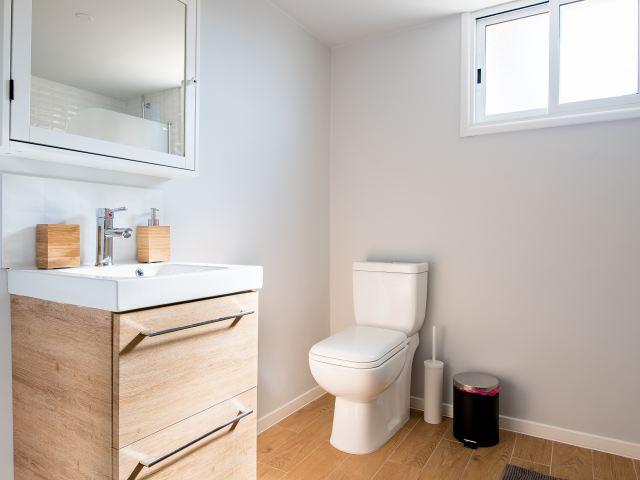 Wybór paneli do kuchni i łazienki