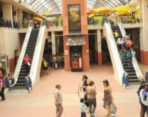 The city promises to repair the escalators at 10 de Agosto market on Calle Larga.