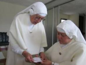 Sister Aurora and Madre Teresa.