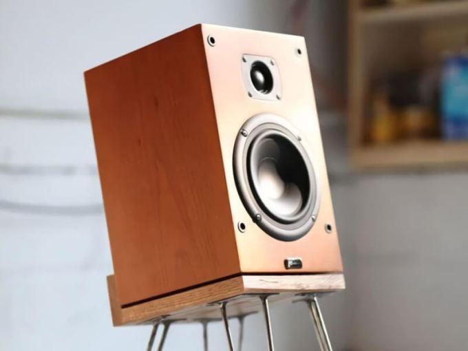 DIY-Speaker-Stands-Ideas