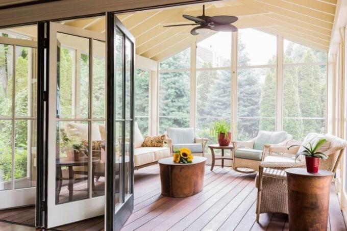Sunroom Furniture and Decorating Ideas