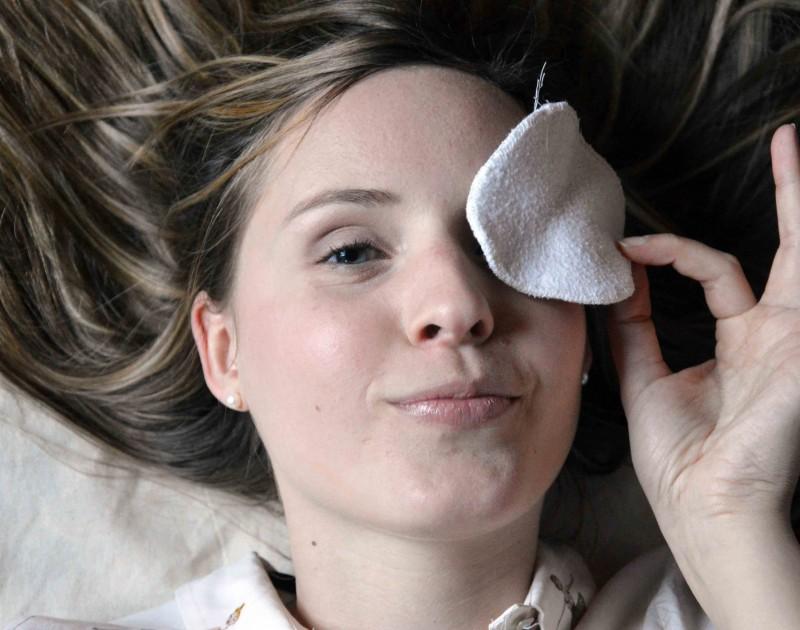 Le secret d'une belle peau au réveil : Le démaquillage à huile