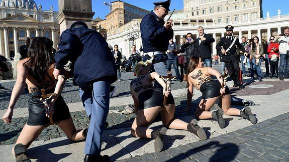 policia-arresta-femen--575x323