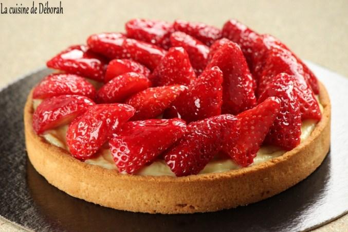 Tarte aux fraises, crème pâtissière à la rhubarbe - Cuisine de Déborah