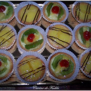 Tartelettes au citron et tartelettes crème pâtissière et fruit