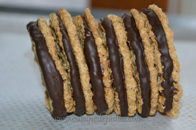 Biscuits aux flocons d'avoine et au chocolat (Chokladflarn comme ceux d'IKEA): recette en vidéo