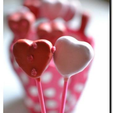 Cake pops caramélia et fève tonka en forme de coeur ( recette en vidéo)