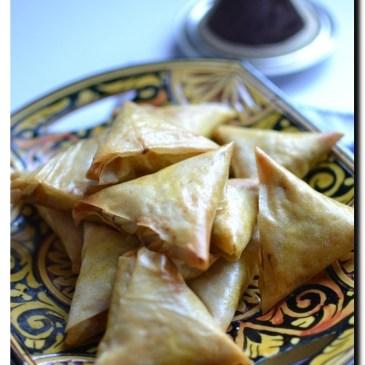 Briwates au poulet, carotte et gingembre ( triangles de brick salés ): recette en vidéo