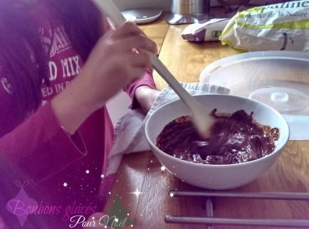 Cassandra et son chocolat