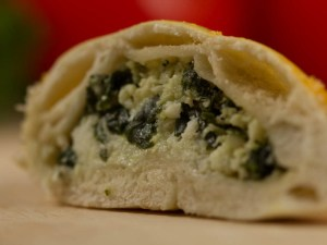 Closed Esfiha Ricotta with Spinach