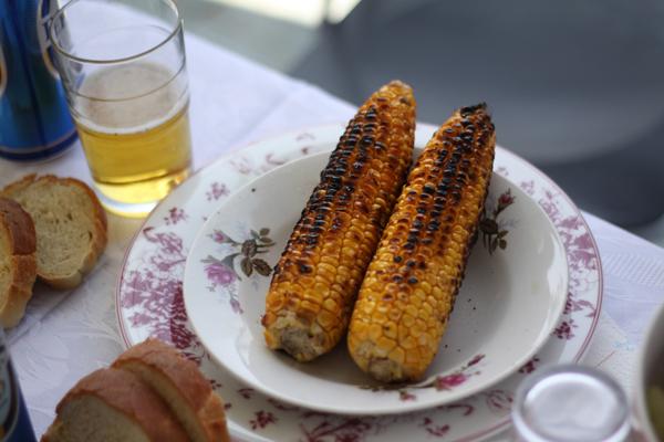 Recette epi de ma s grill kalaboki cuisine grecque - Cuisiner des epis de mais ...