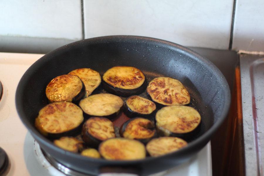 Recette moussaka grecque cuisine grecque - Comment cuisiner les aubergines poele ...