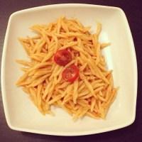 Pâtes à la sauce tomate et au curry
