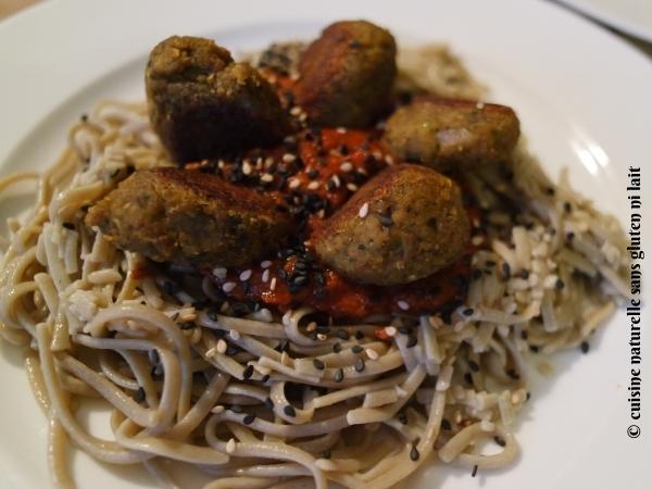 King-Soba-Nouilles-de-riz-brun-et-amarante-avec-du-kale